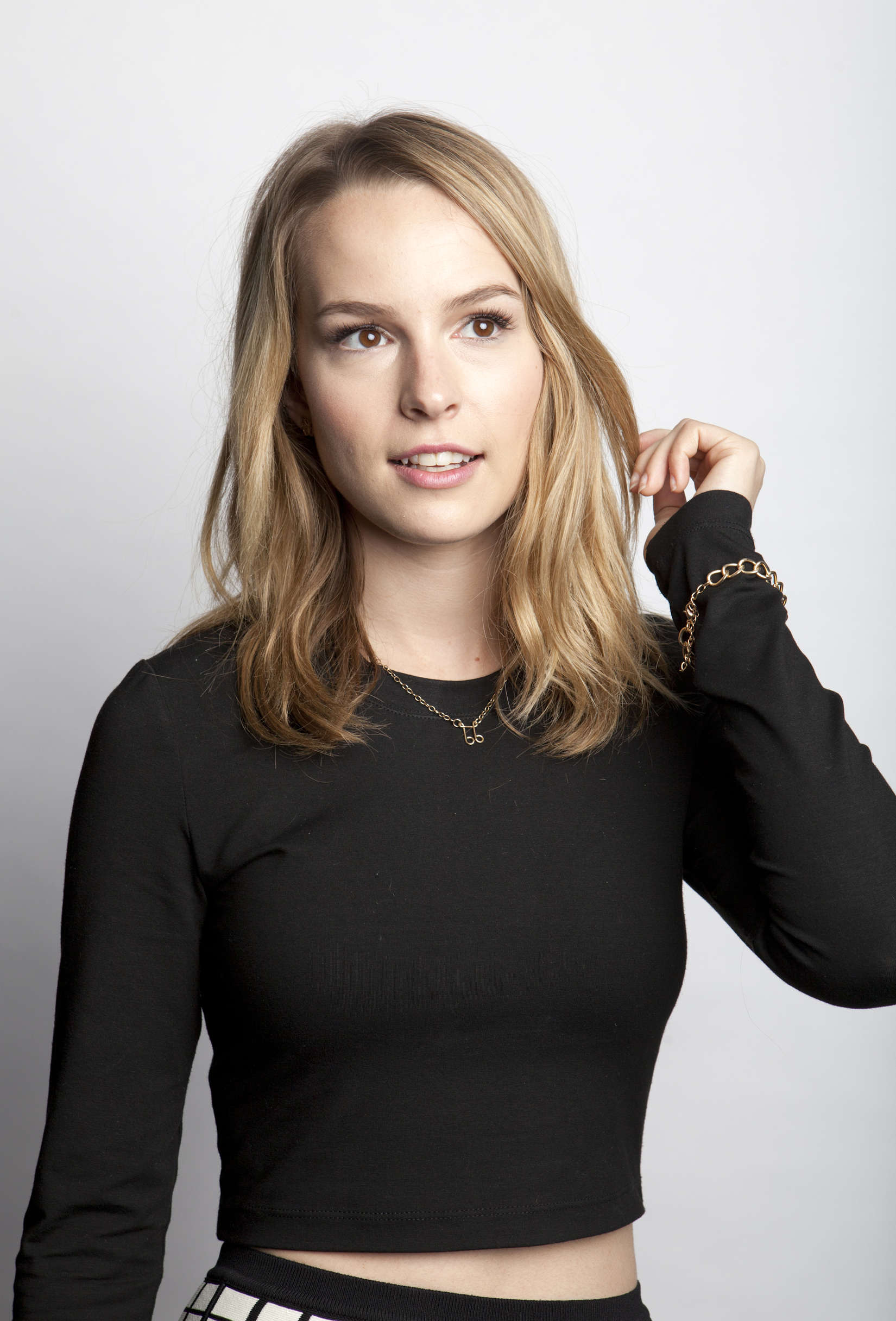 Photo of Bridgit Mendler and her 2017 alternative make up style, products & tips