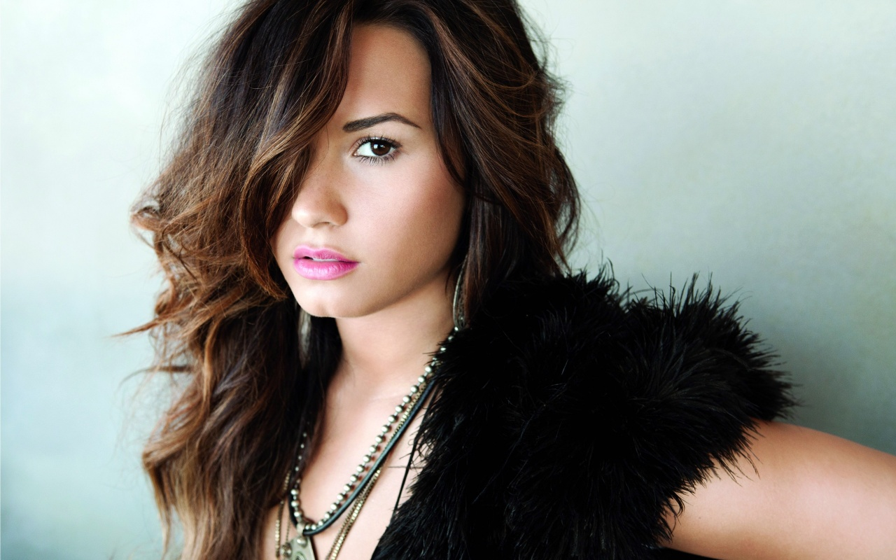 Demi Lovato Wallpapers HD | Full HD Pictures