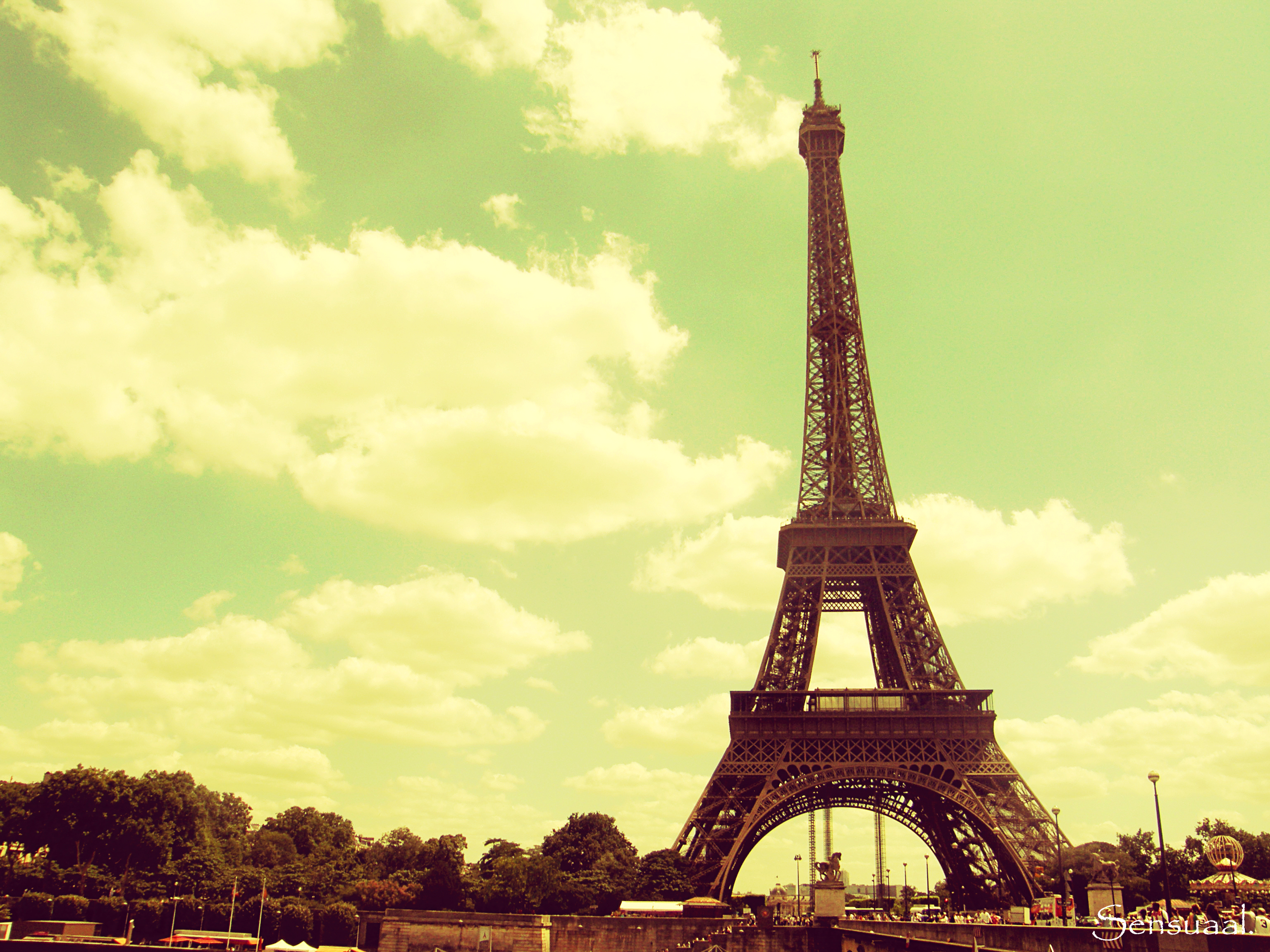 eiffel tower wallpaper - photo #39