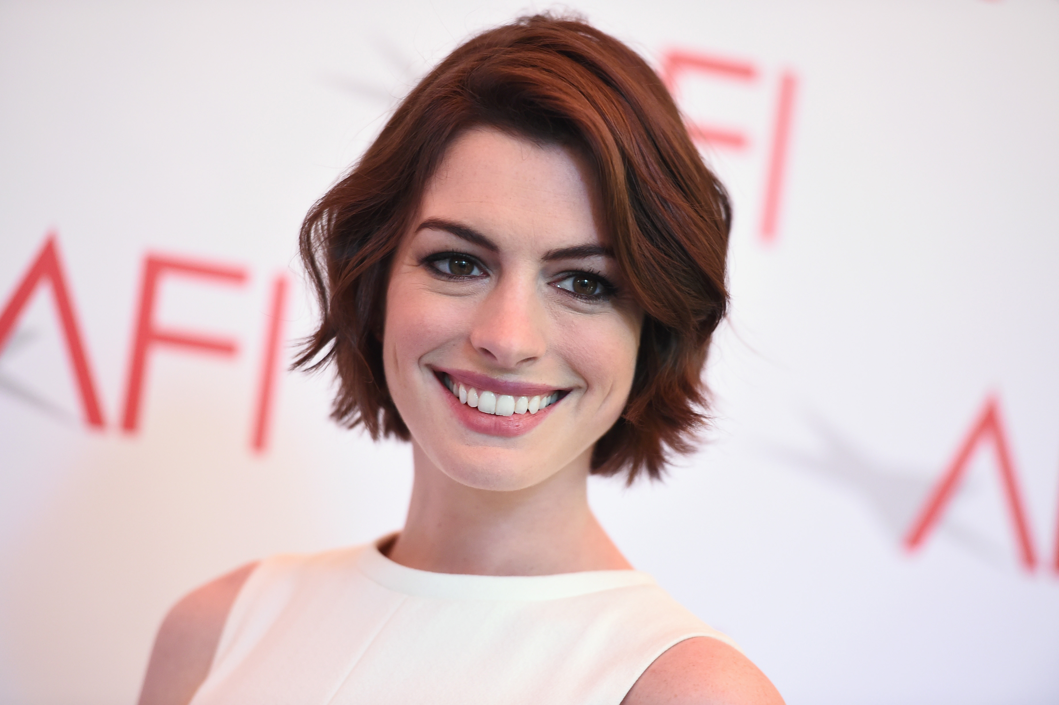 anne hathaway 2015 wallpapers - photo #42