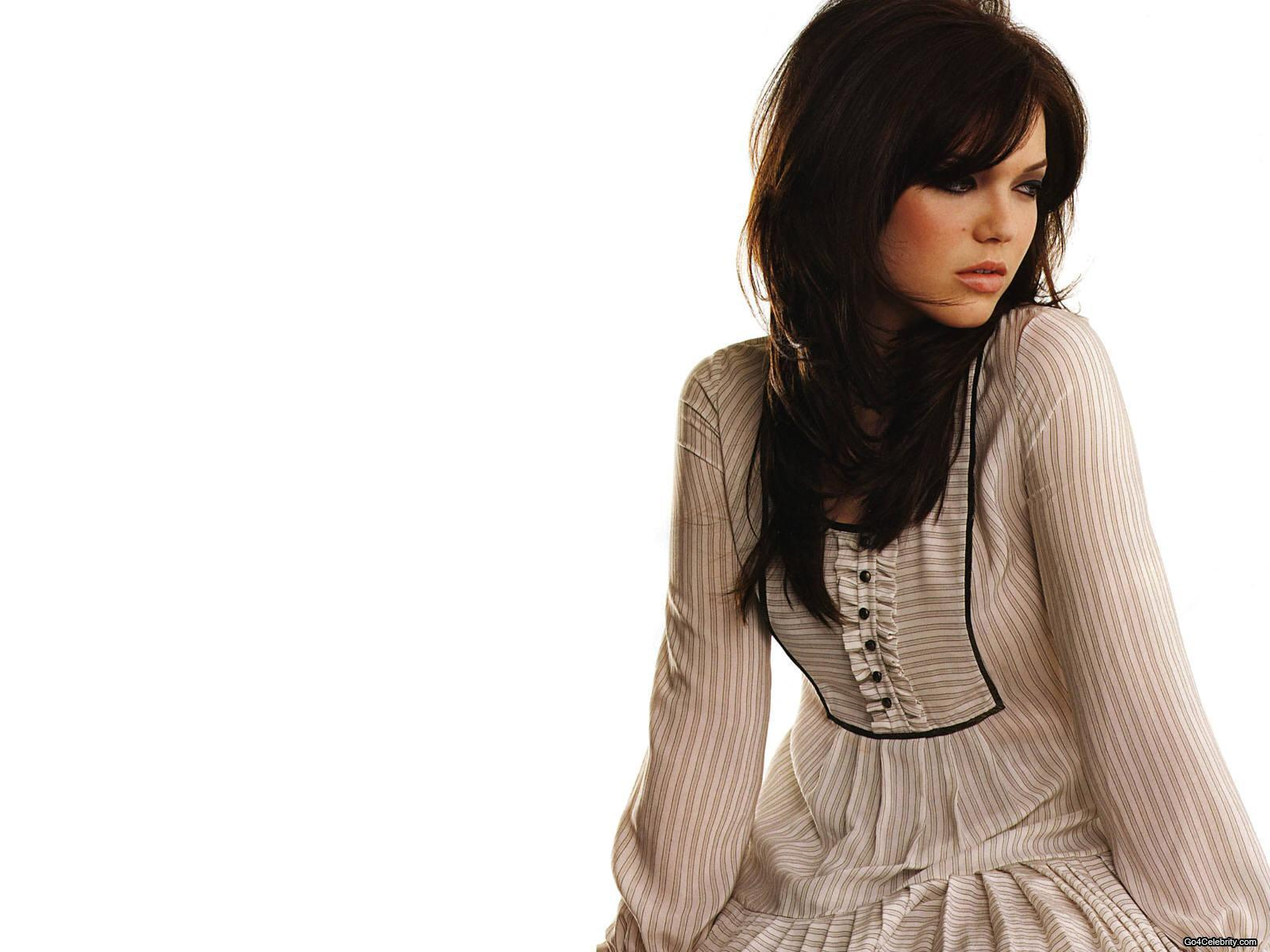 Other Photos in this gallery: fullhdpictures.com/mandy-moore-hq-wallpapers.html/hd-mandy-moore...