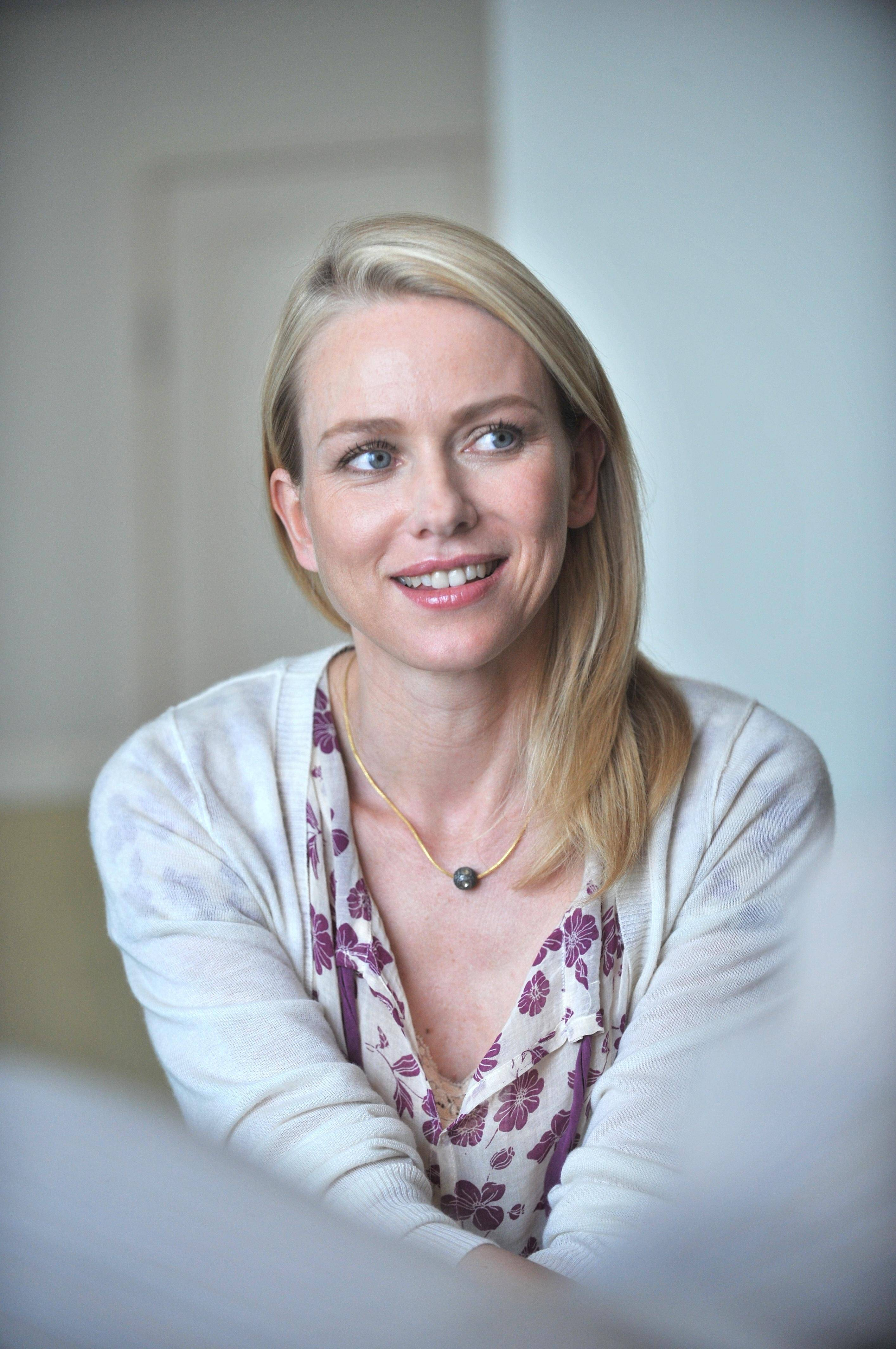 Naomi Watts Pictures H...