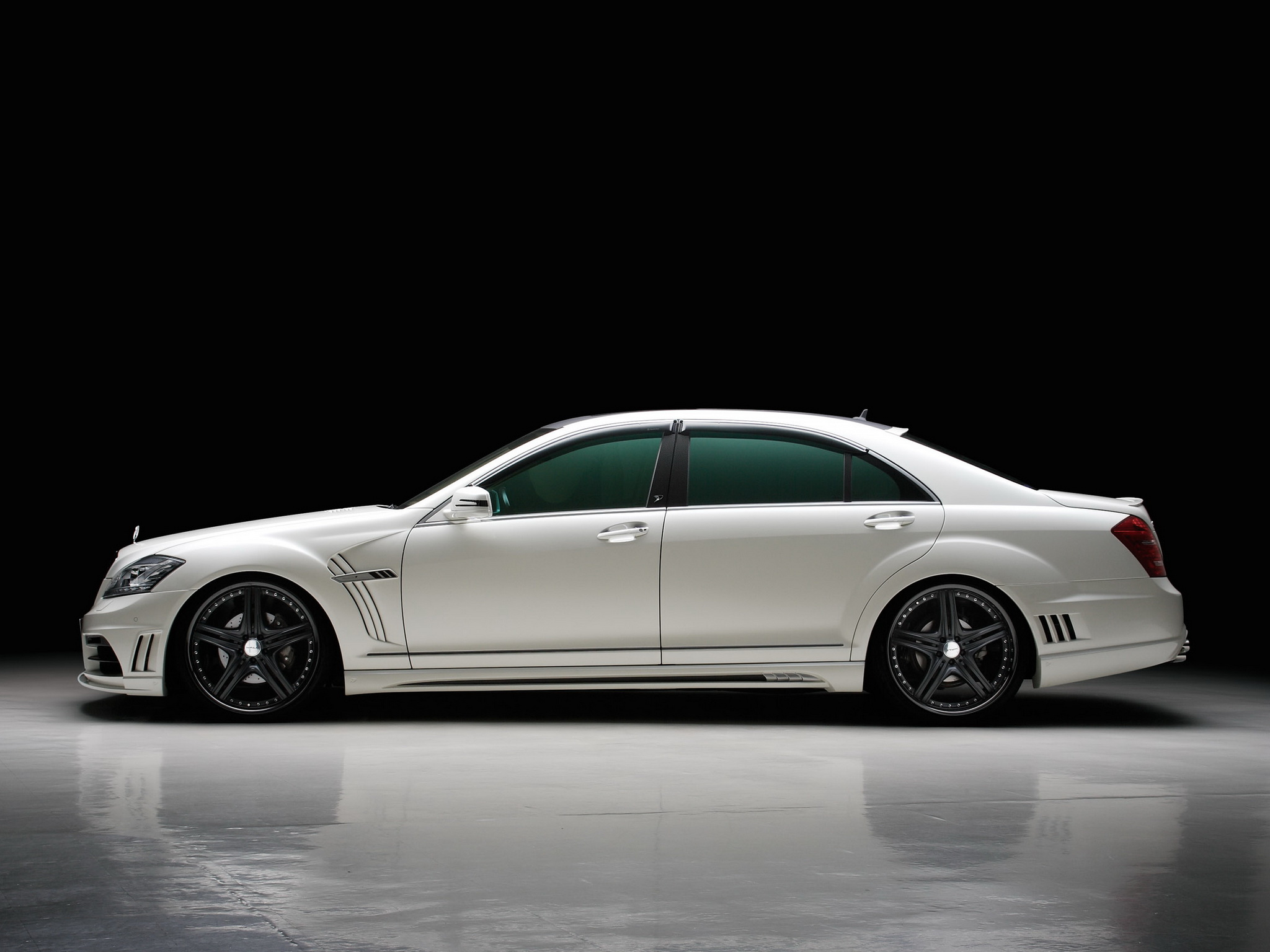 Amazing Mercedes-Benz S-Class Wallpaper   Full HD Pictures