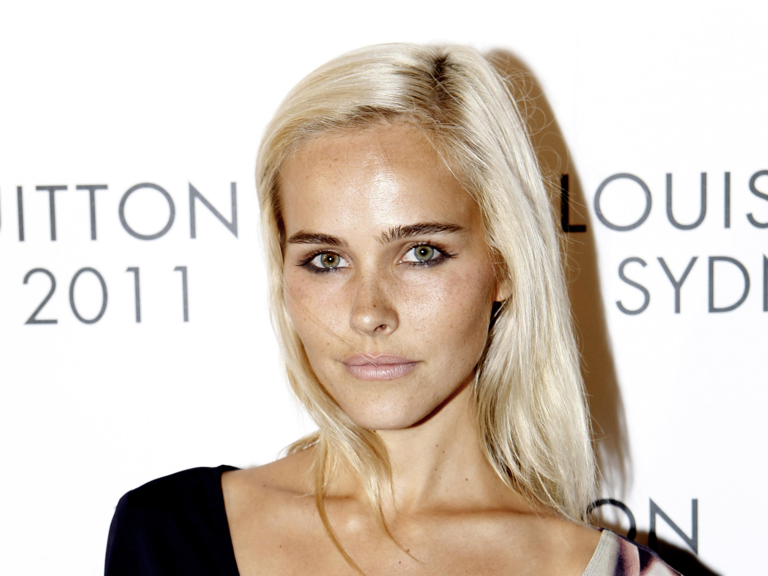 ... and pictures to our gallery for a famous actress <b>Isabel Lucas</b> talked. - Isabel-Lucas-Wallpaper