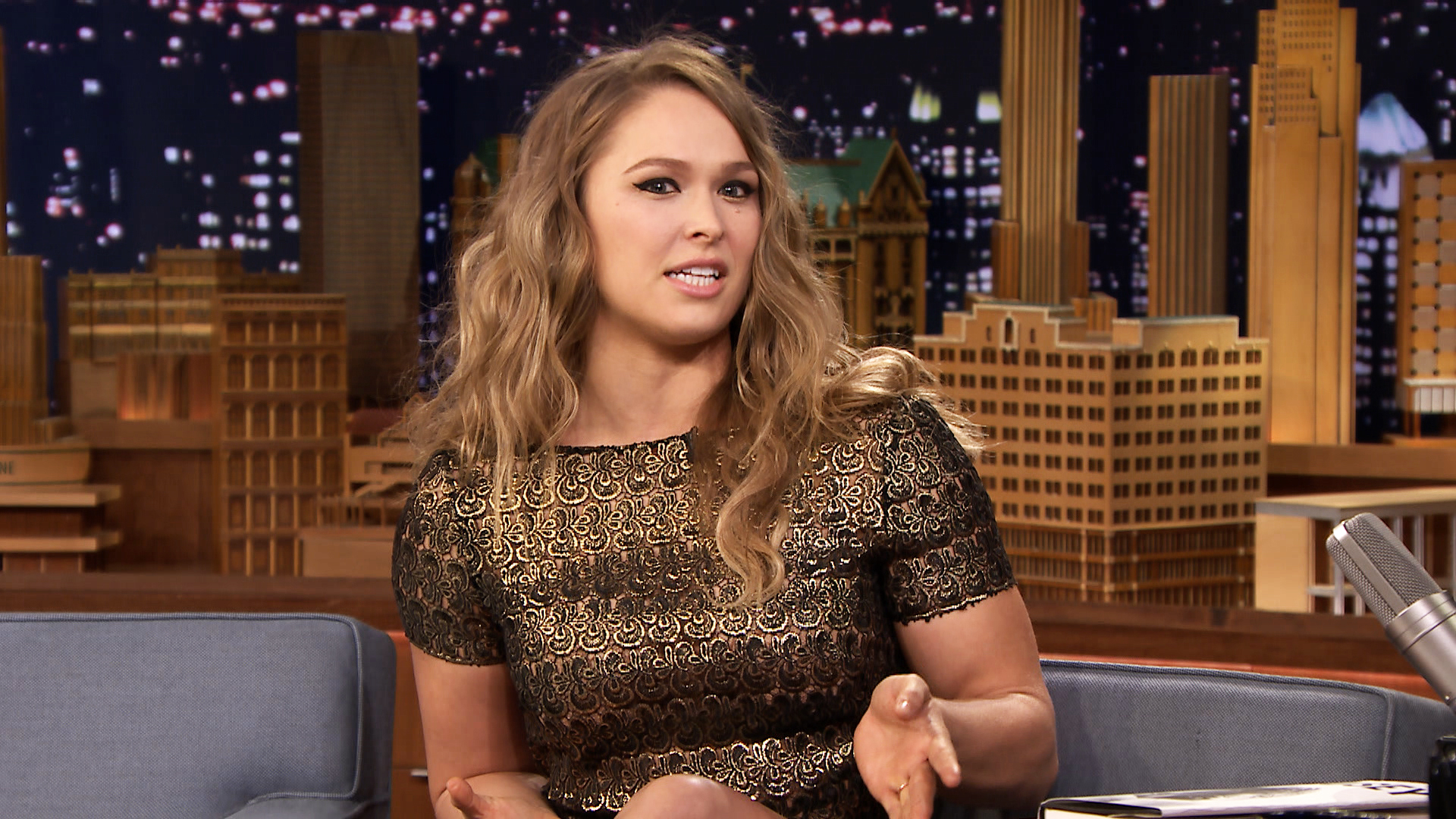 Ronda rousey 12 hd wallpaper 1024x576 ronda rousey wallpapers