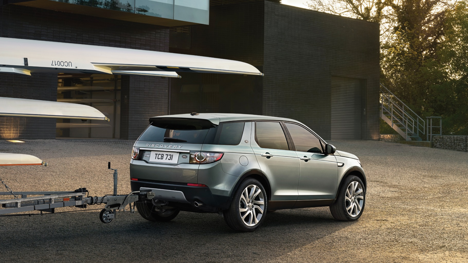 land rover discovery sport hd wallpapers full hd pictures. Black Bedroom Furniture Sets. Home Design Ideas
