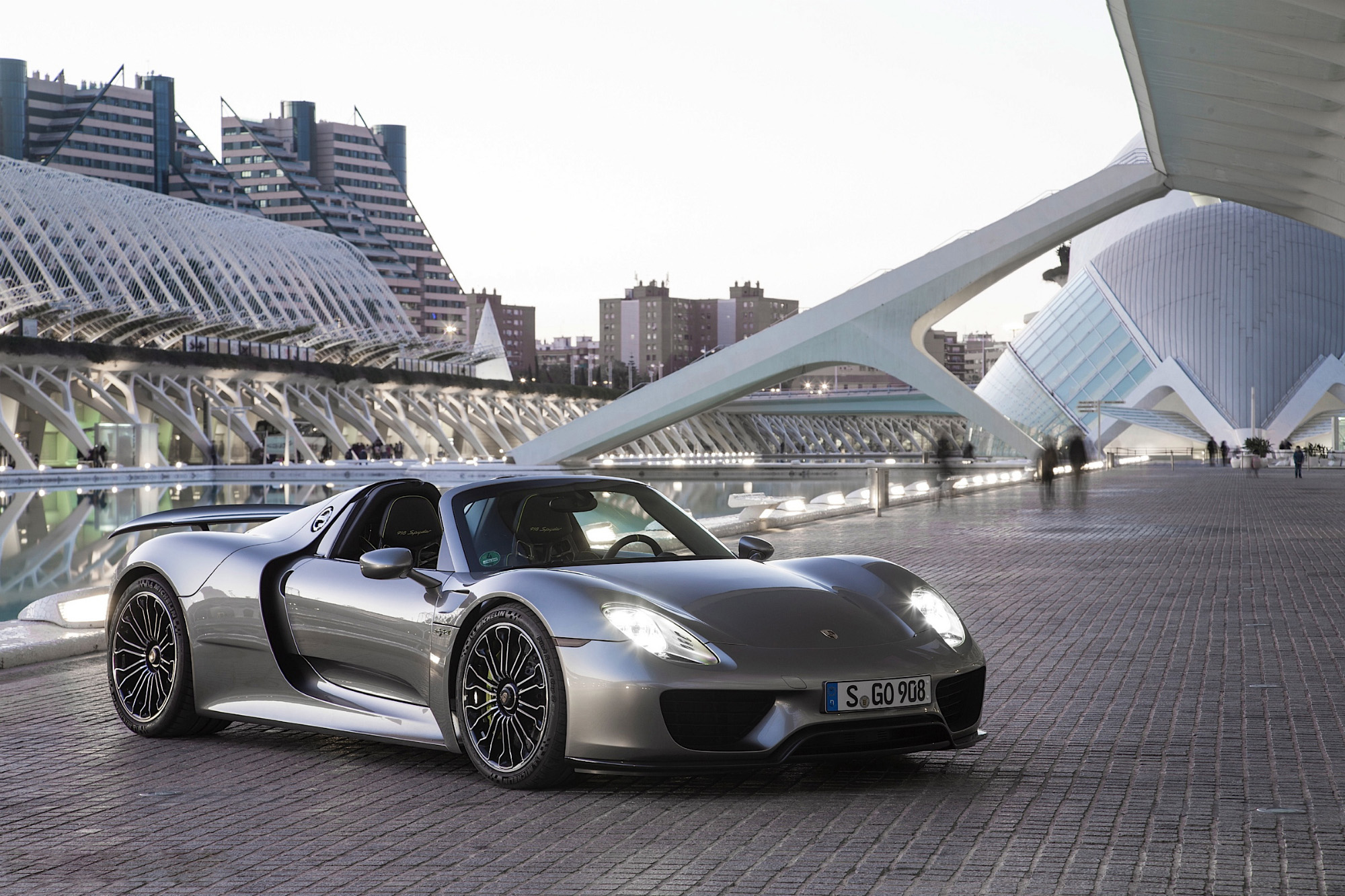 porsche 918 spyder wallpapers hd full hd pictures. Black Bedroom Furniture Sets. Home Design Ideas