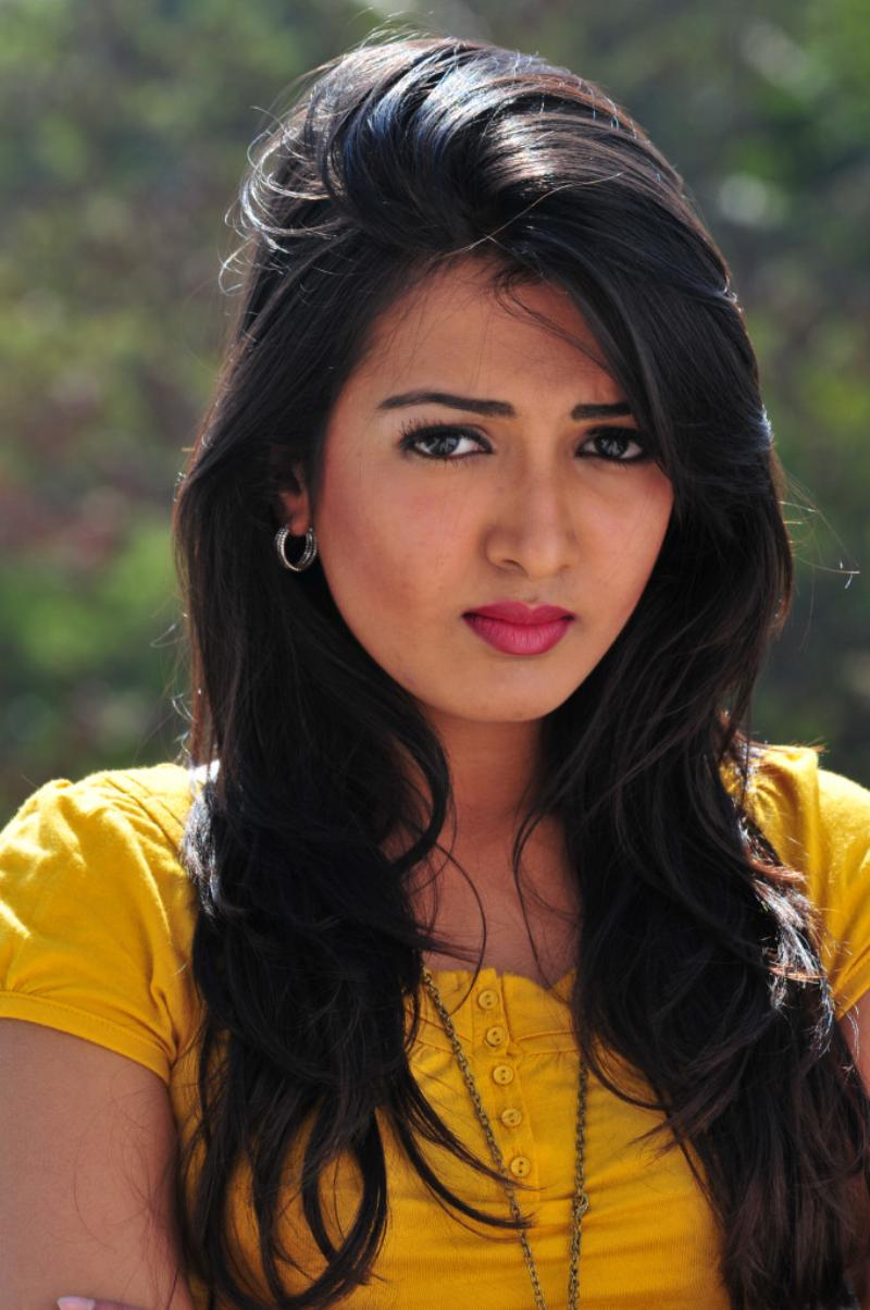 catherine tresa images full hd pictures
