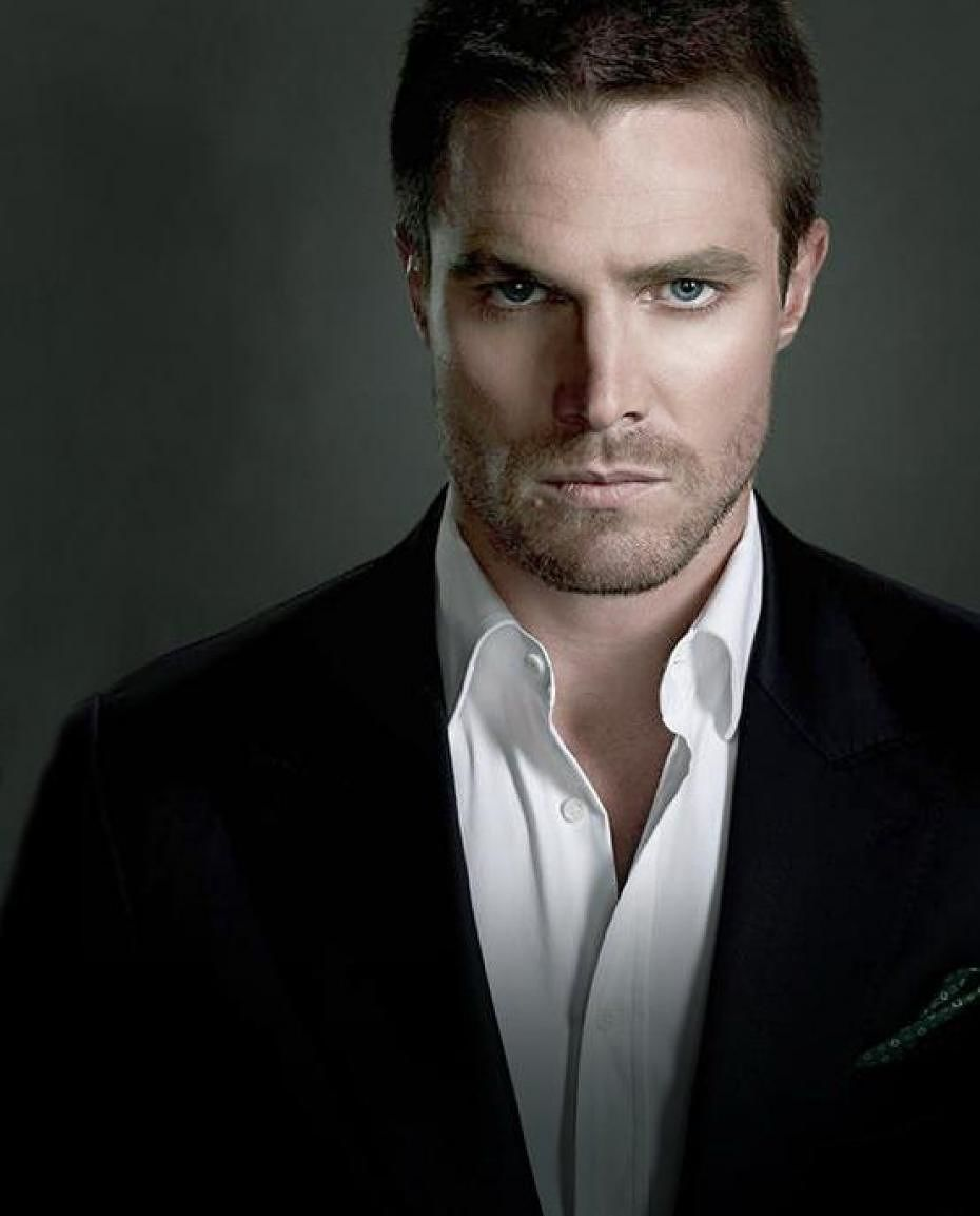 Stephen Amell Pictures | Full HD Pictures  Stephen Amell P...