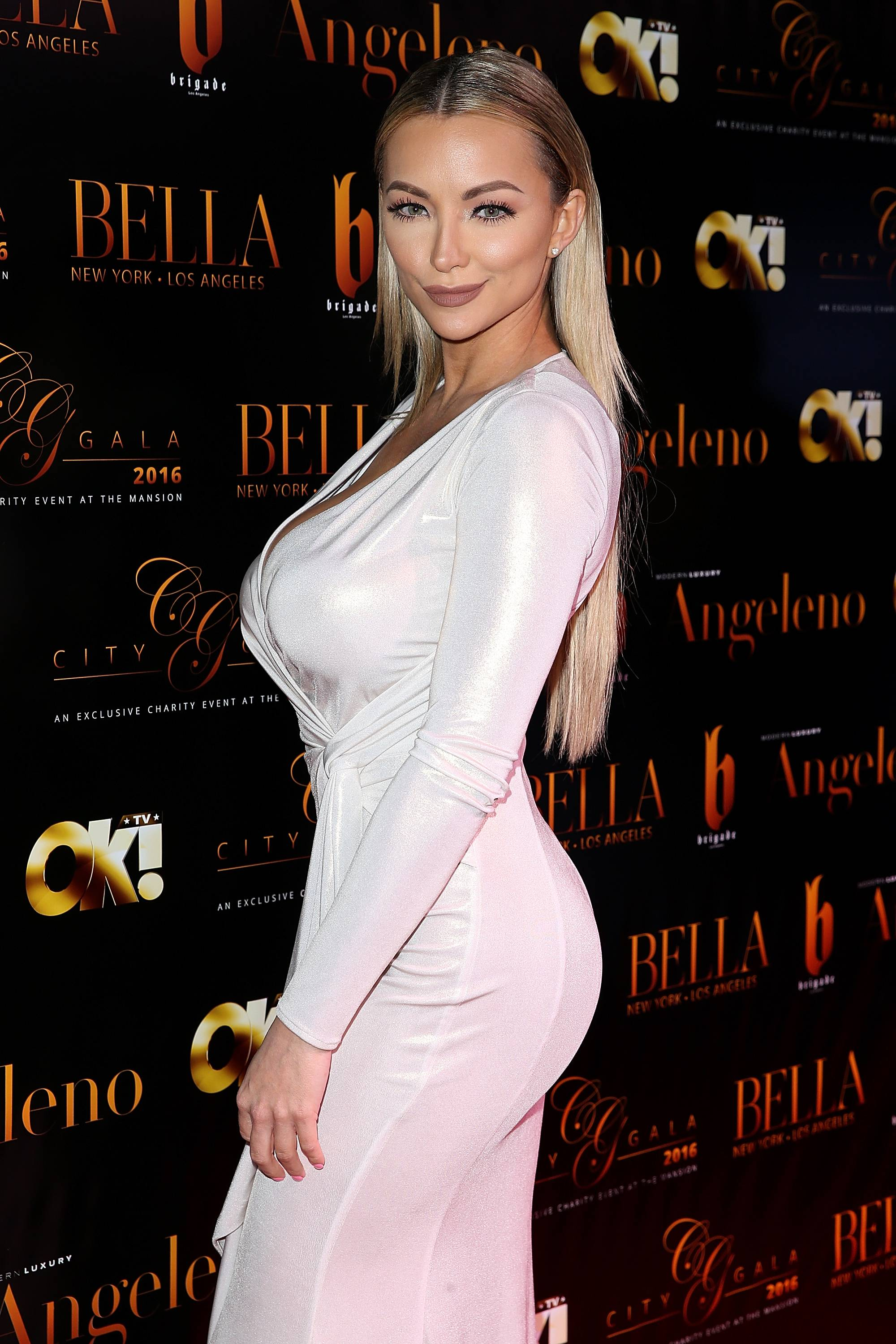 Beautiful Lindsey Pelas Photos Full HD Pictures