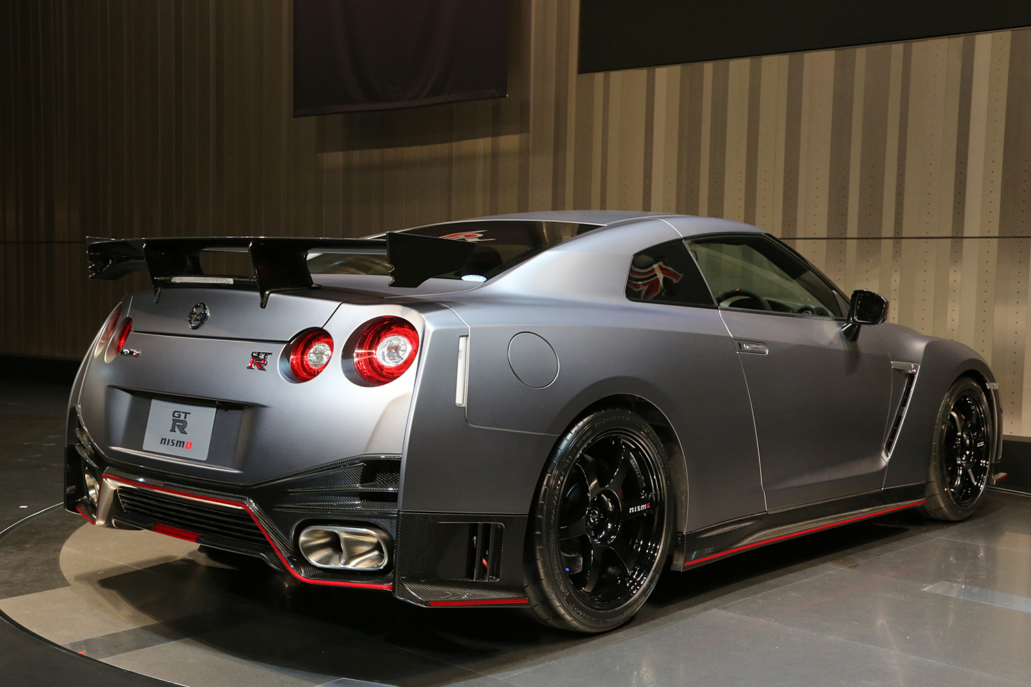 2017 Nissan Gt R Nismo Wallpapers Hd Images: Gray Nissan GT-R Nismo Wallpapers