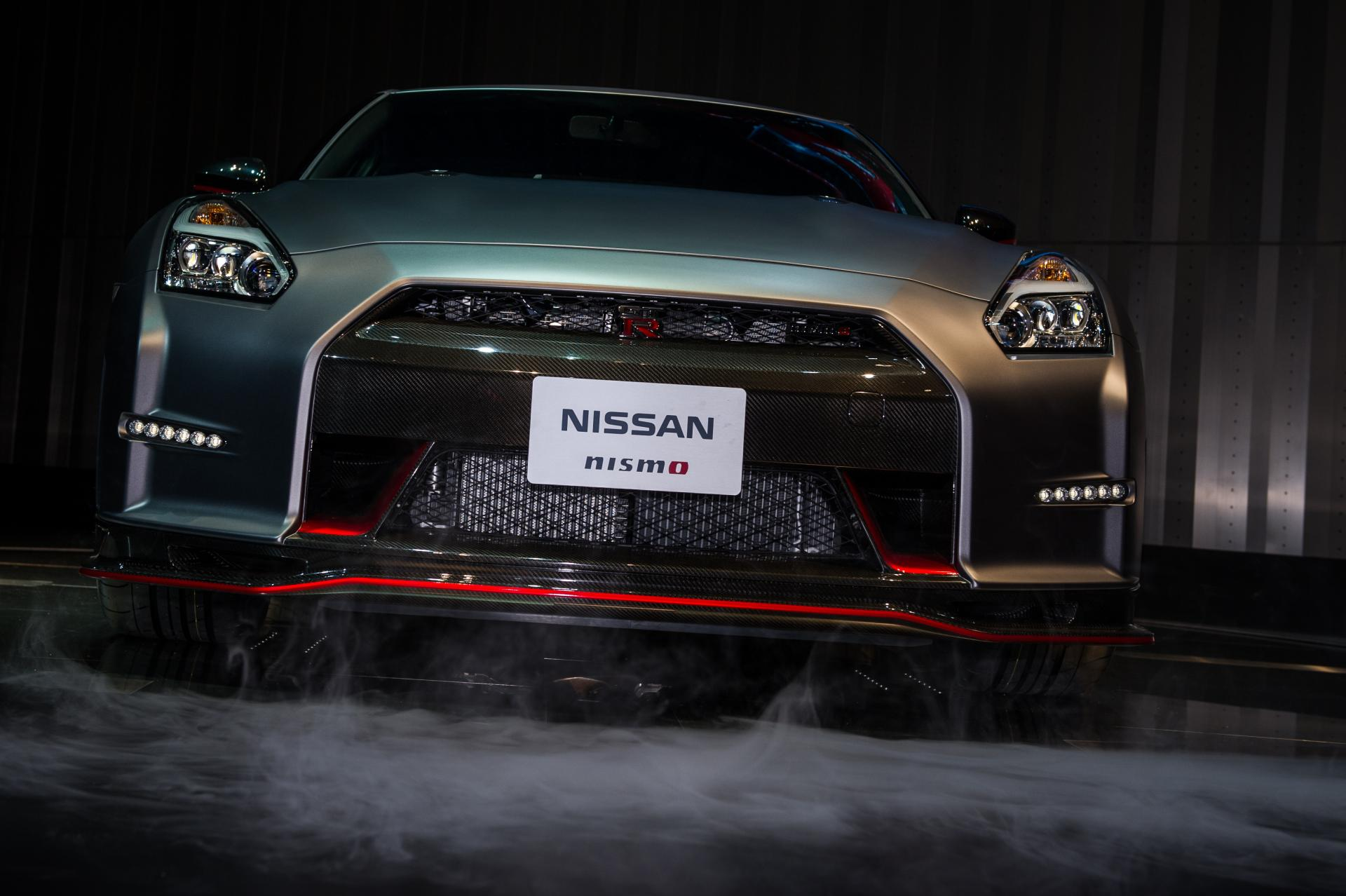 nissan gtr nismo photo full hd pictures. Black Bedroom Furniture Sets. Home Design Ideas