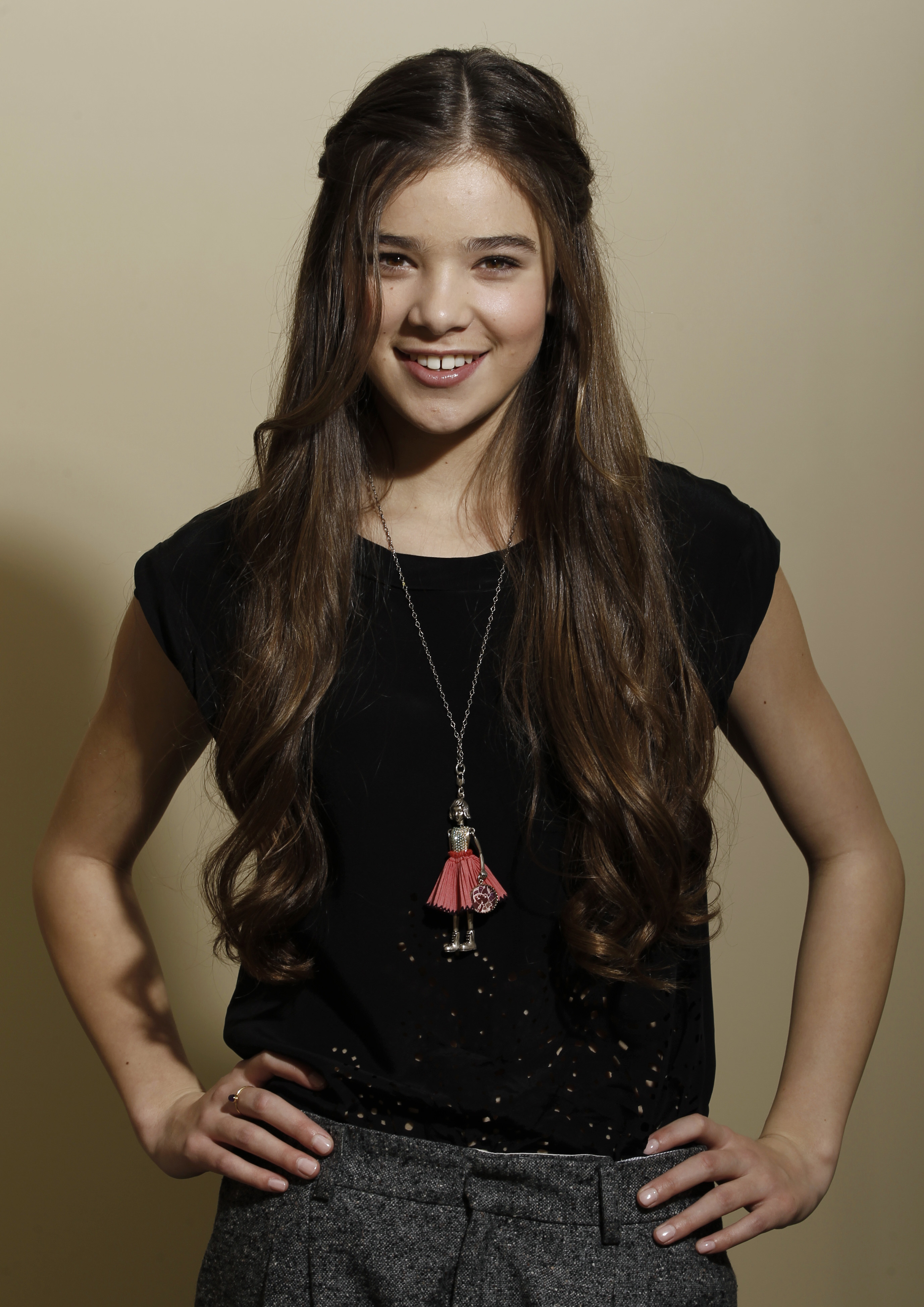Hailee Steinfeld Pictures Gallery   Full HD Pictures