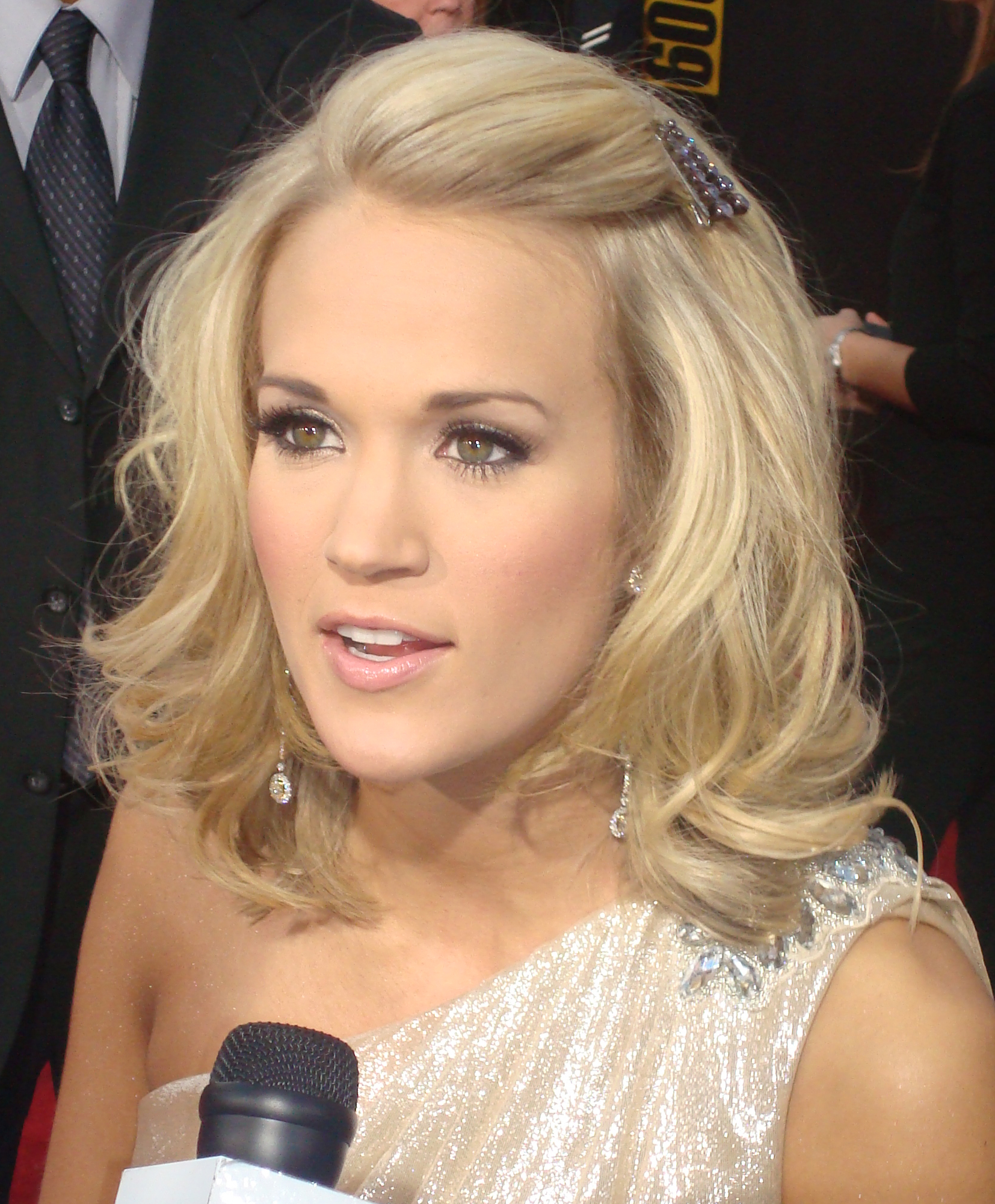 haircut s 2015 carrie underwood hairstyle hd pictures 1654