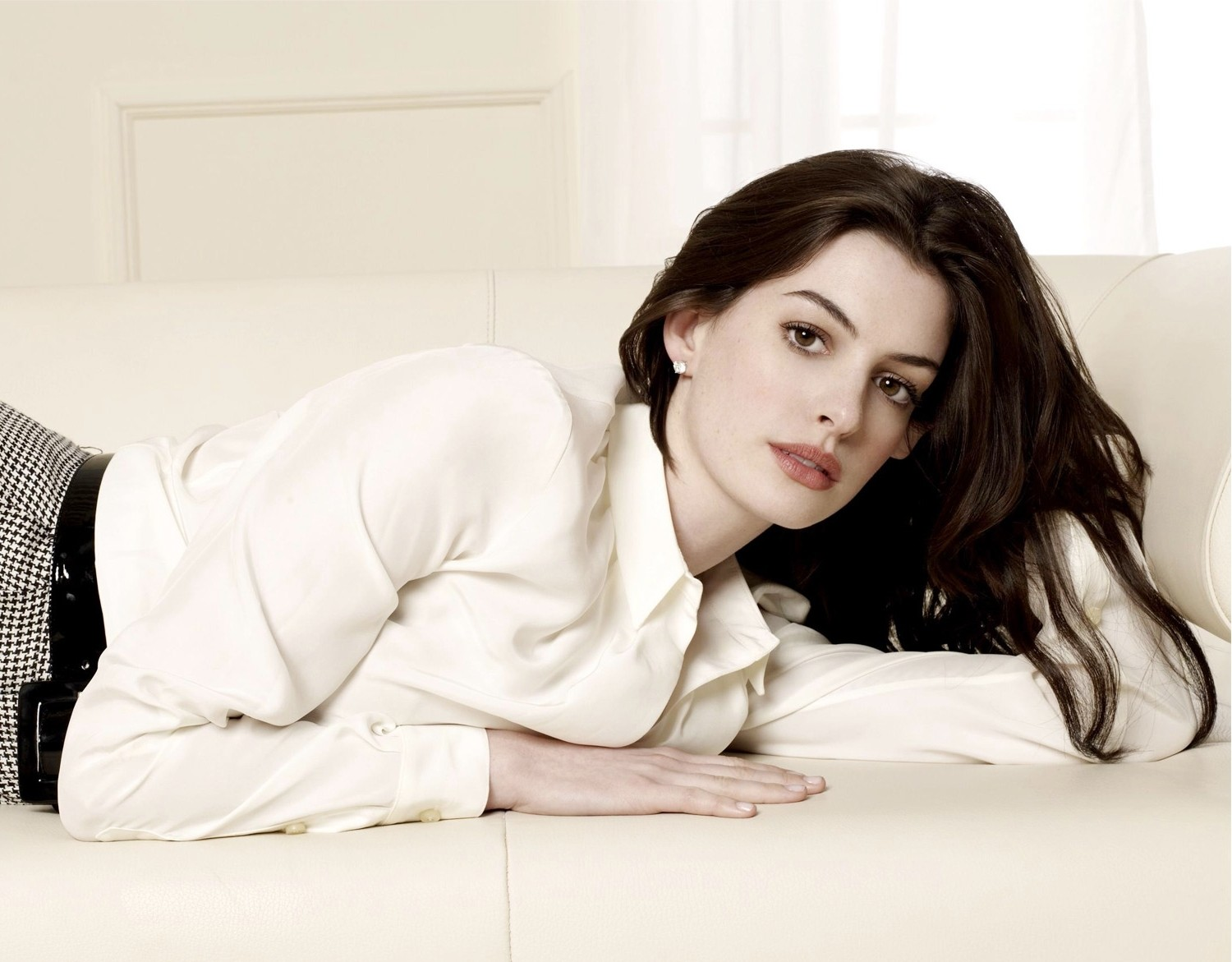 anne hathaway 2015 wallpapers - photo #21