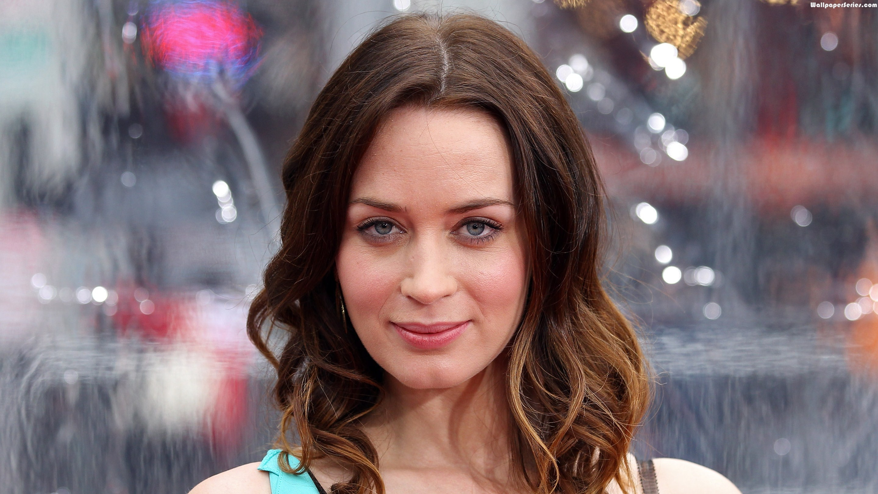 HD Emily Blunt Wallpaper | Full HD Pictures Emily Blunt Movies