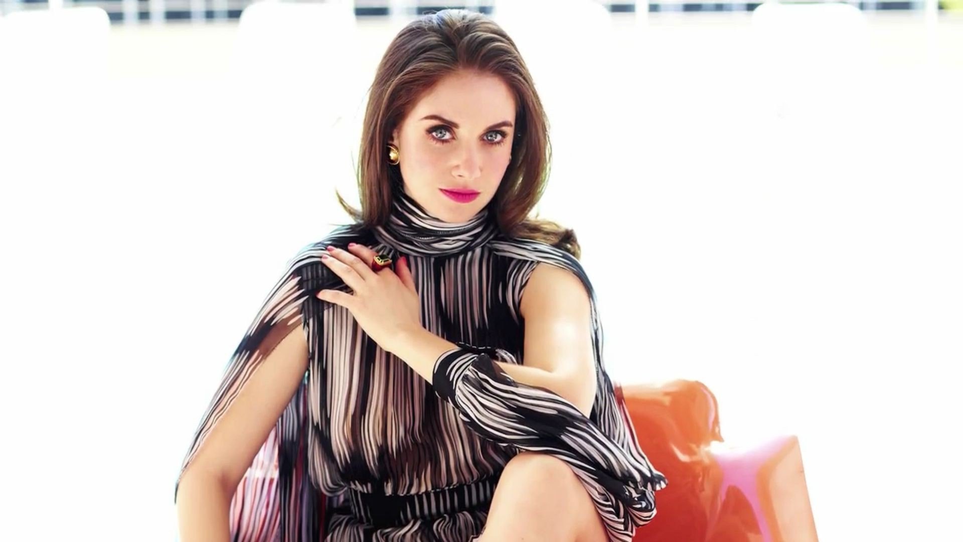 Image Result For Alison Brie Hd Wallpaper Wallpapers X Women Alison Brie