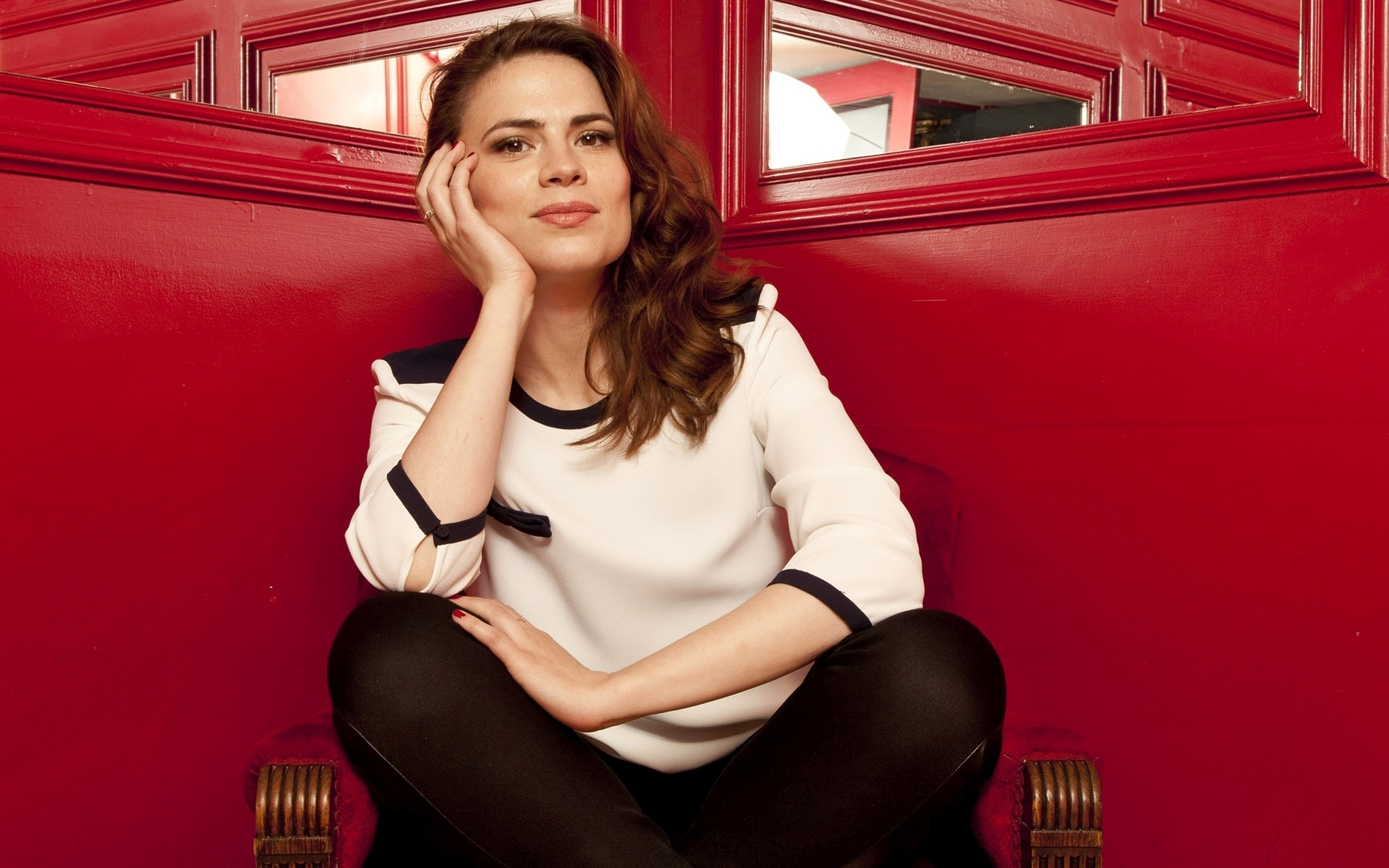 wallpaper stunning hayley atwell - photo #10