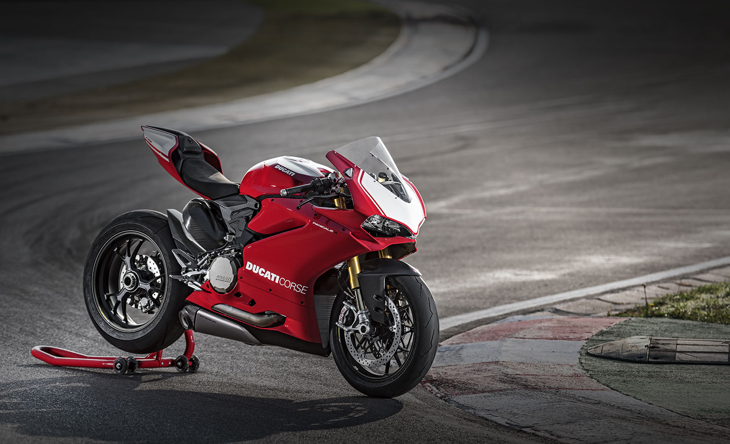 Ducati 1299 Panigale S 4k Wallpapers: Ducati 1299 Panigale S HQ Wallpapers