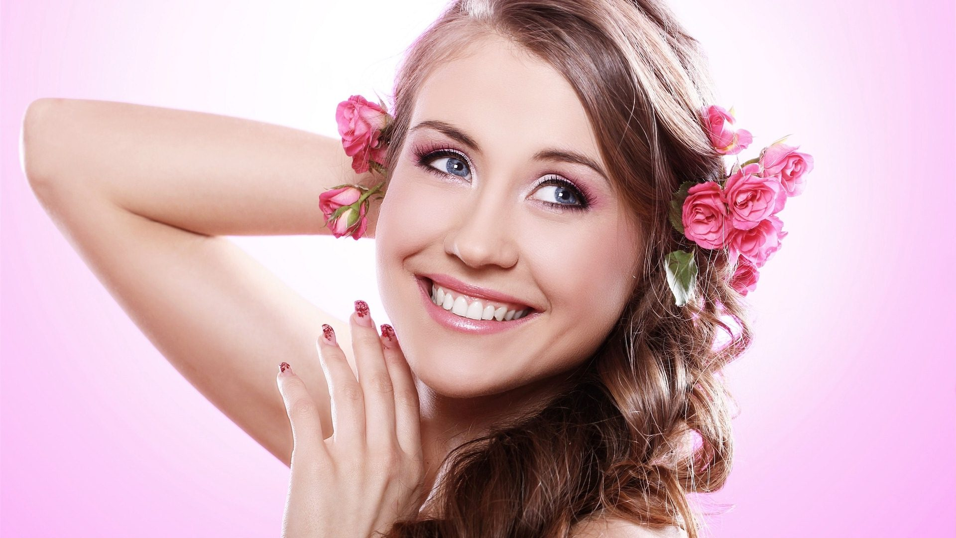 HD Smiling Girl Wallpapers