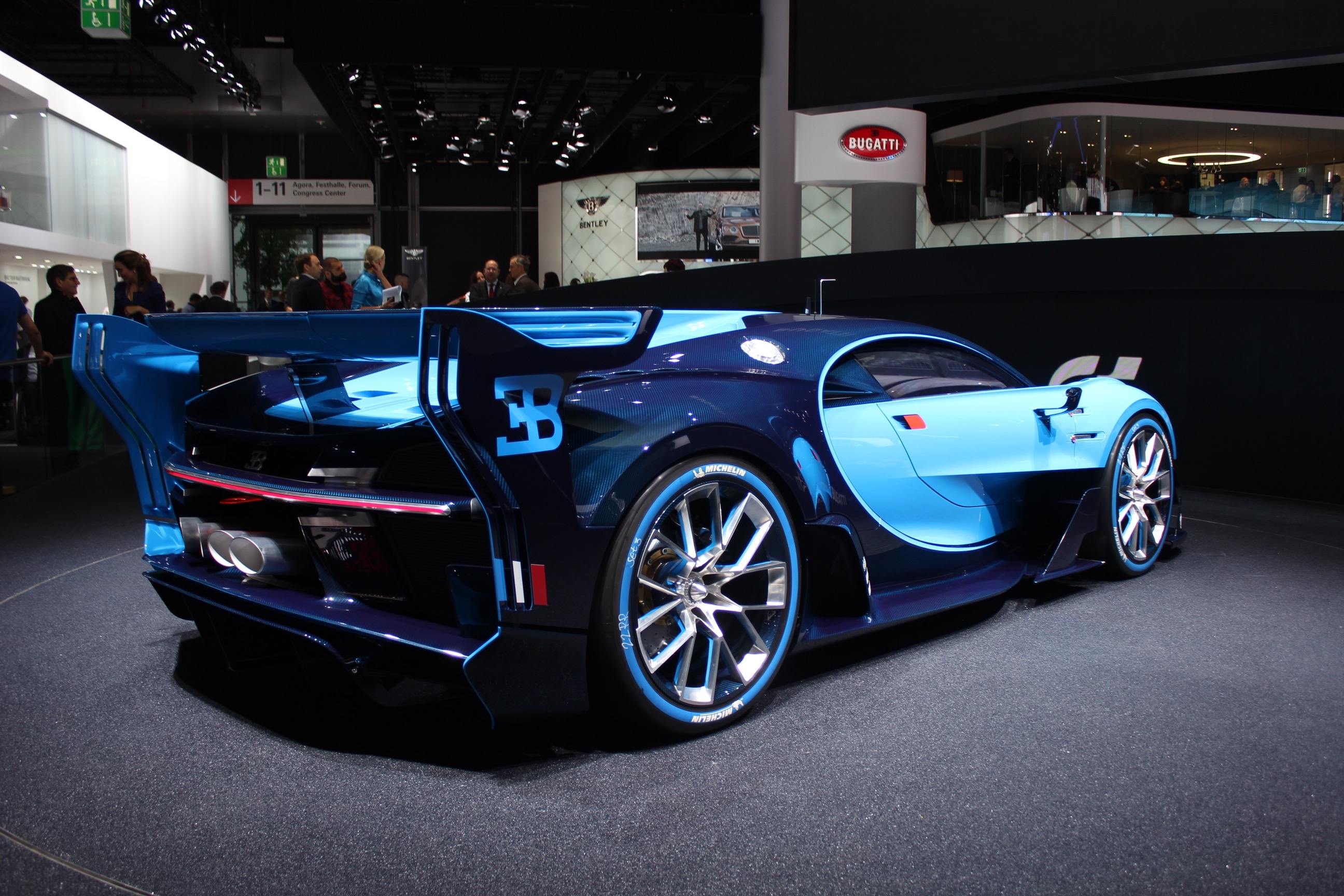 Awesome Bugatti Chiron Wallpaper | Full HD Pictures