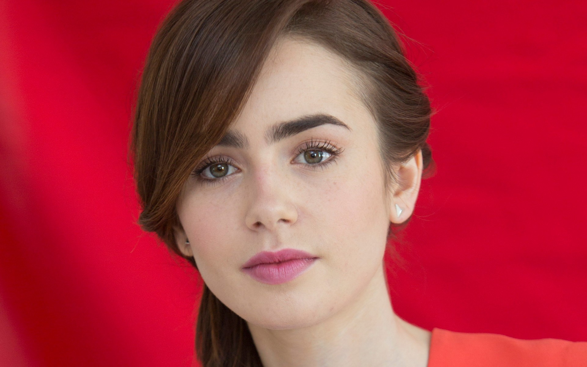 Lily Collins Wallpaper Full Hd Pictures
