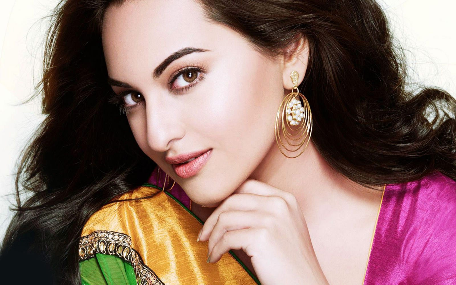 Sonakshi Sinha Wallpaper HD
