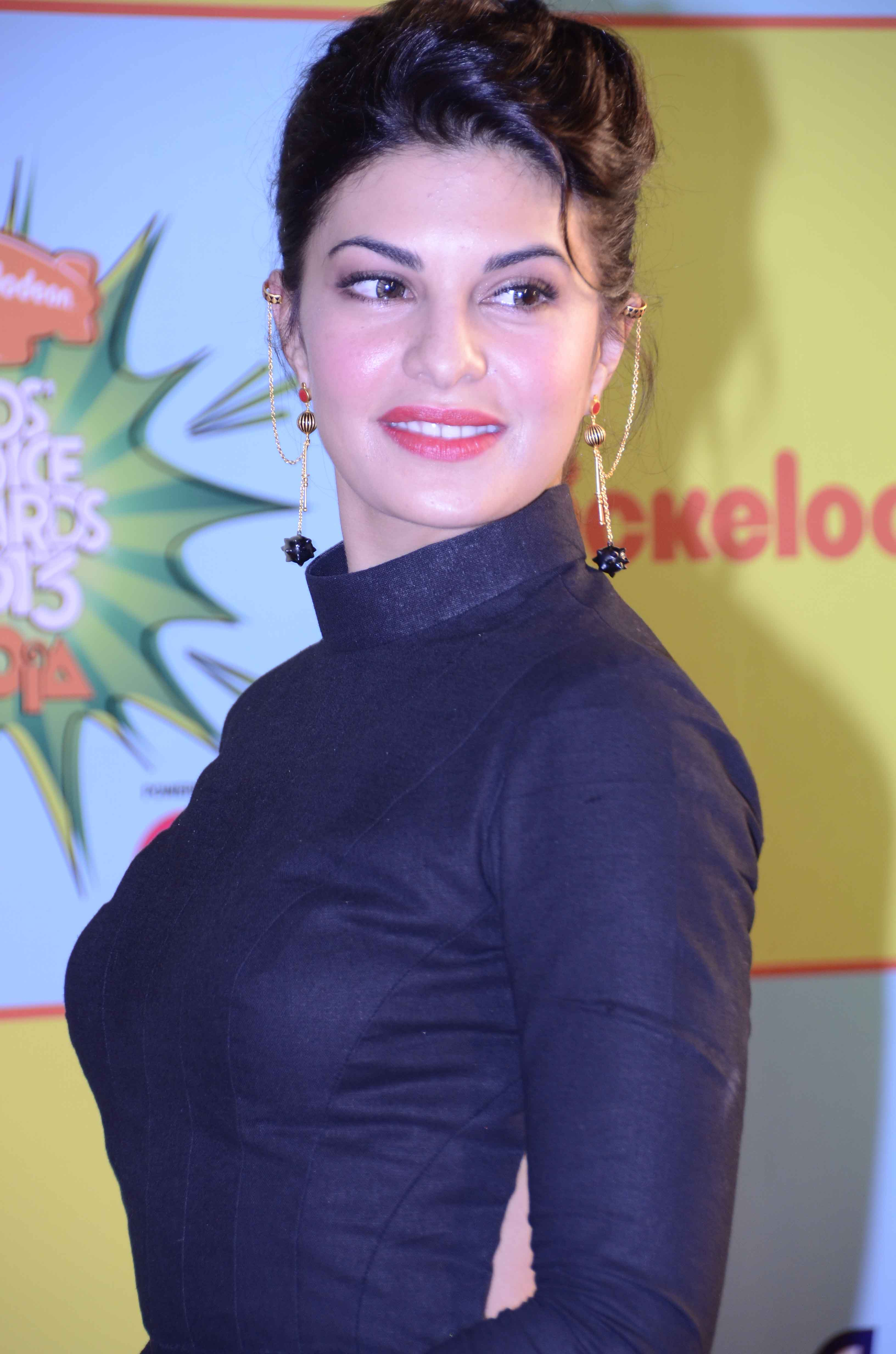 Jacqueline Fernandez Hairstyle Full Hd Pictures