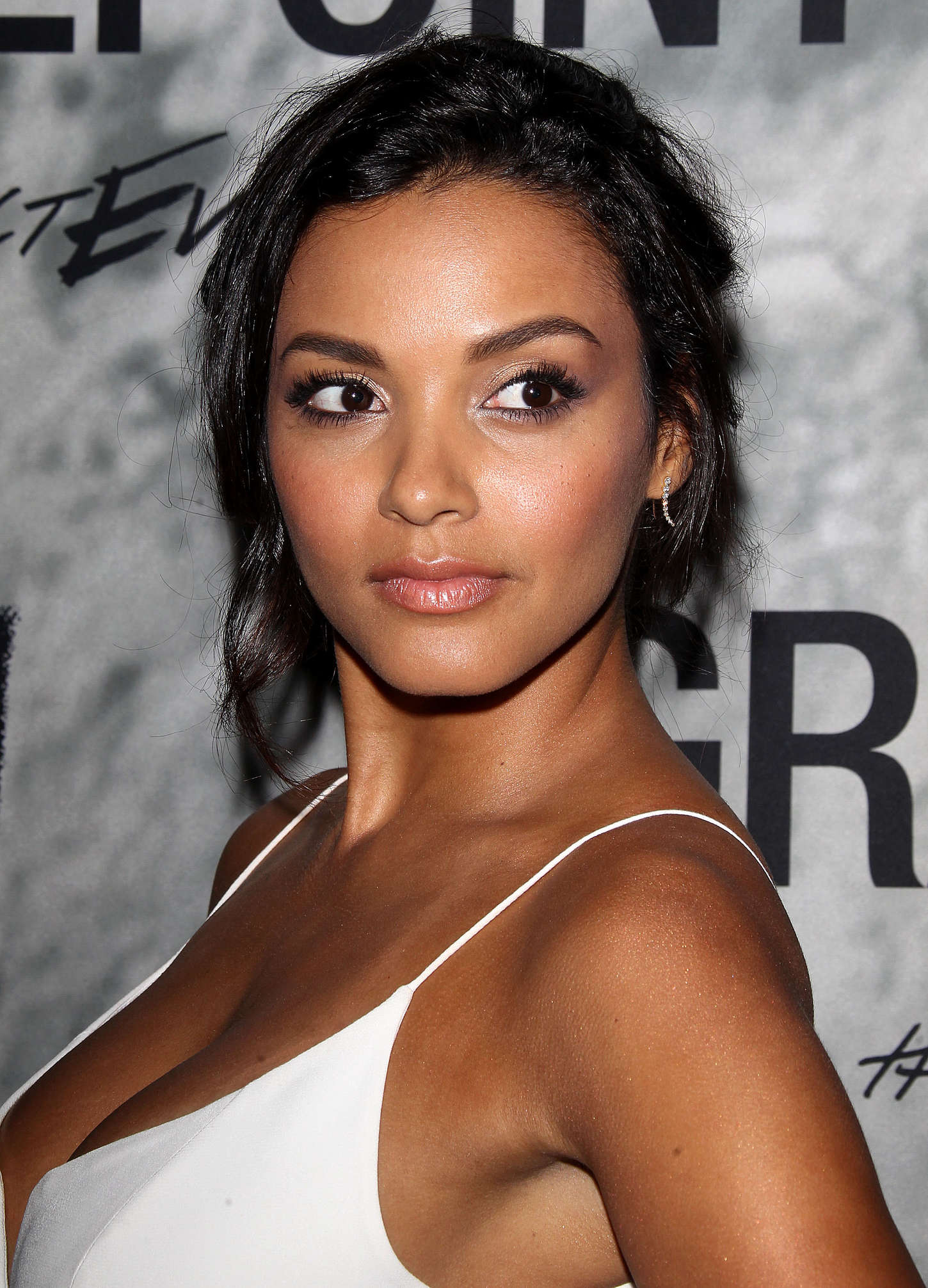 jessica lucas hd wallpapers - photo #12