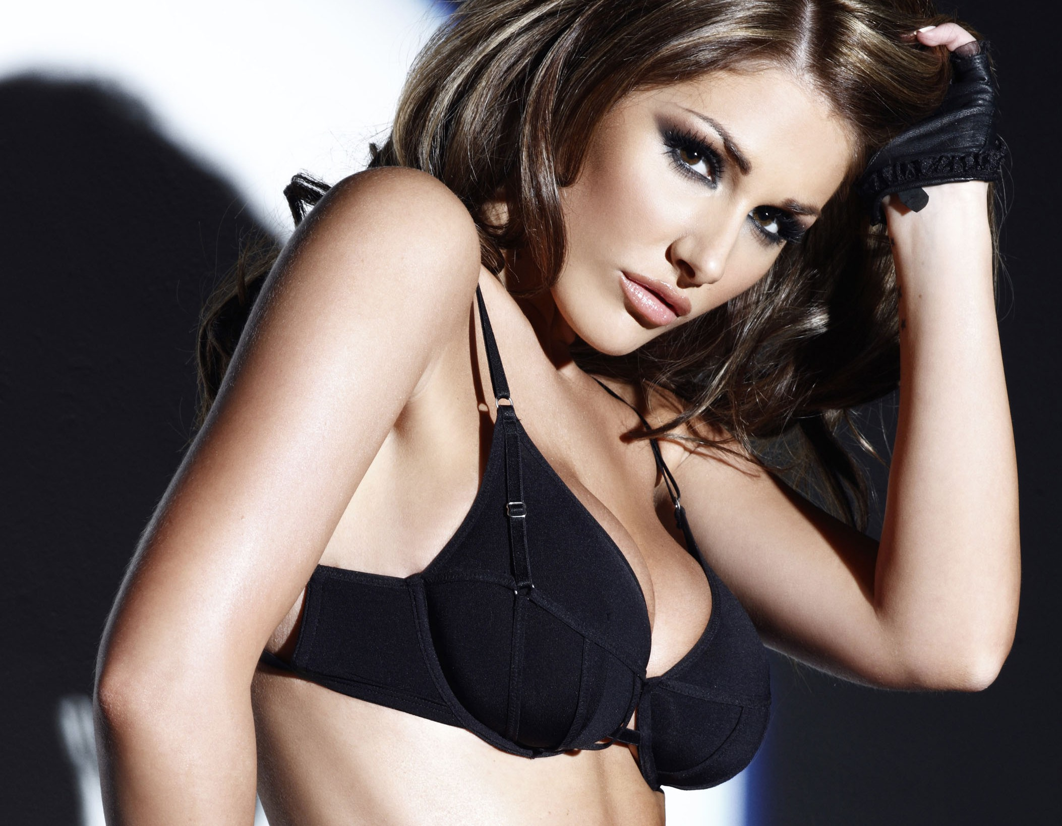 Lucy Pinder Hd Wallpapers Full Hd Pictures