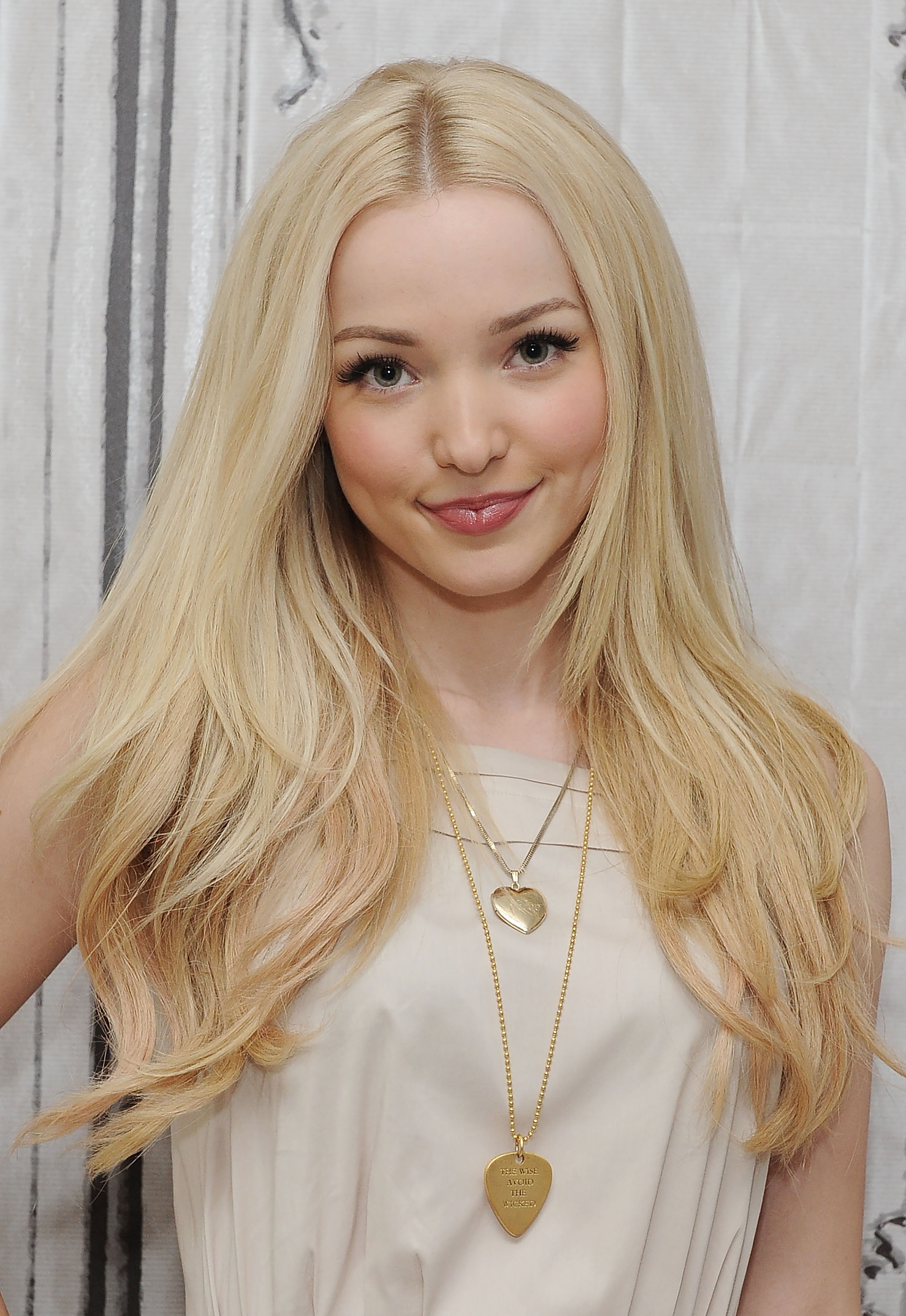 Is a cute Dove Cameron naked (76 foto and video), Sexy, Leaked, Selfie, swimsuit 2015