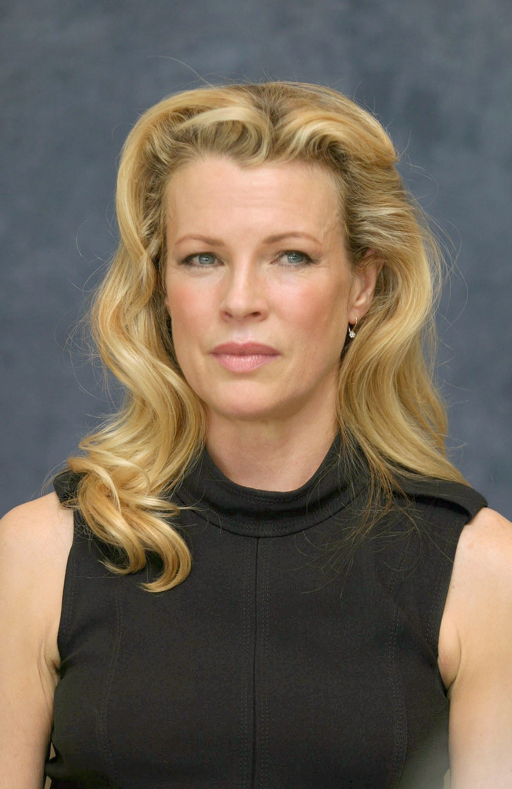 Kim Basinger Hairstyle  Full Hd Pictures-3116