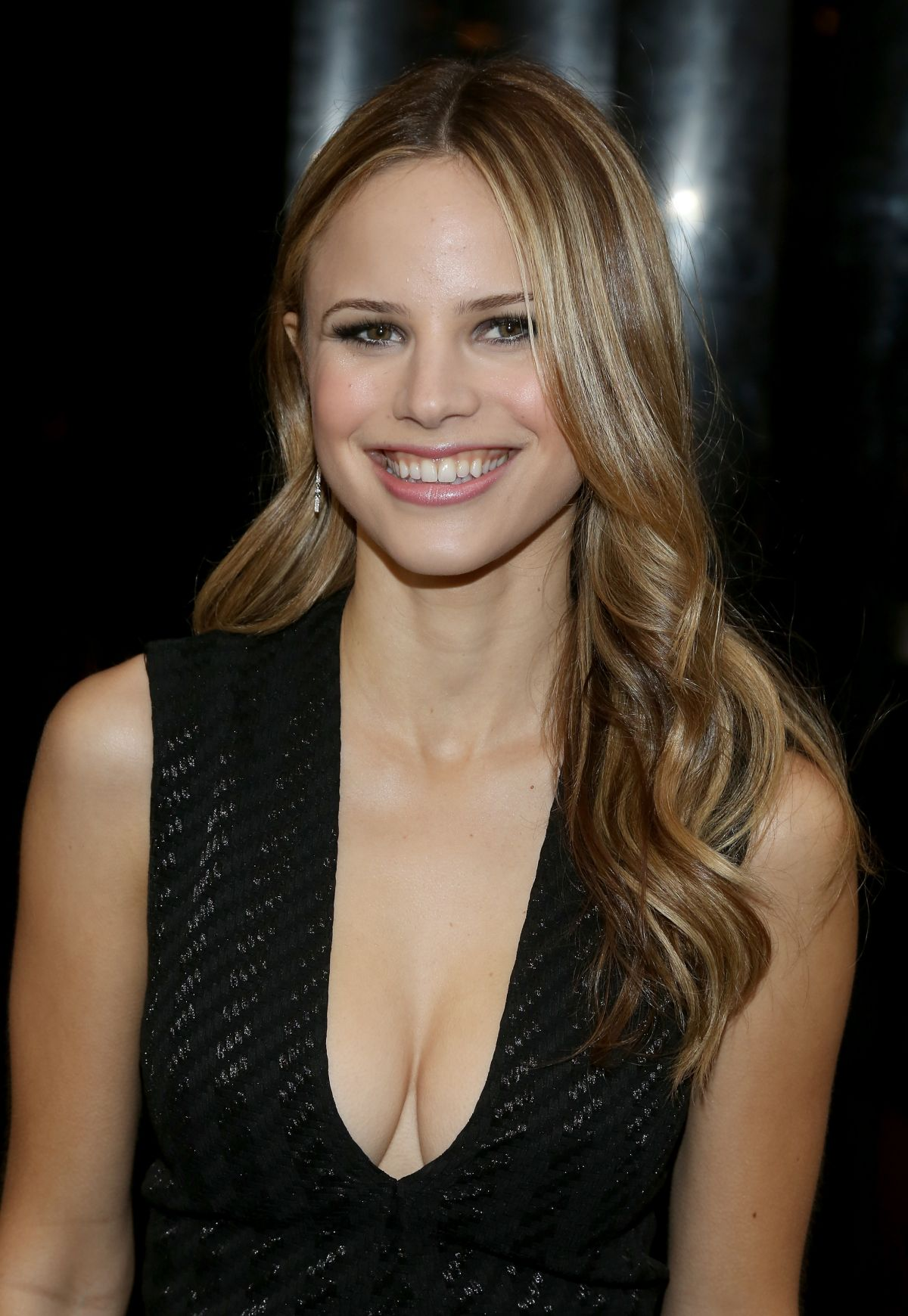 Cute Halston Sage Photos  Full Hd Pictures-7996