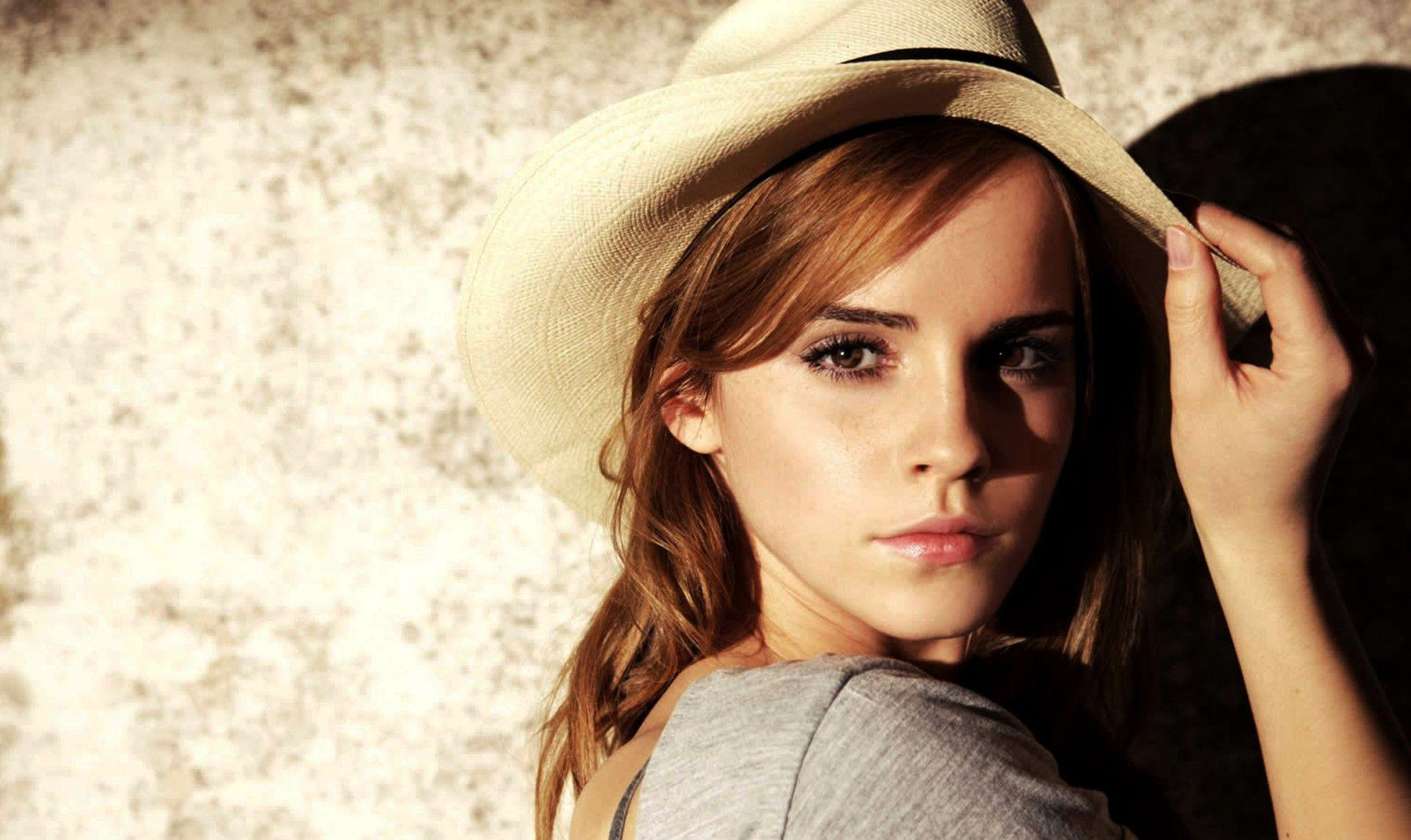 Emma Watson Hat Pictures